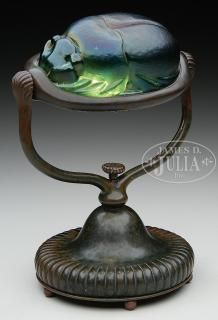 Buy online, view images and see past prices for TIFFANY STUDIOS SCARAB DESK LAMP. Invaluable is the world's largest marketplace for art, antiques, and collectibles. Victorian Lamps, Antique Lamps, Vintage Lamps, Tiffany Art, Tiffany Lamps, Light Art, Lamp Light, Chandeliers, Glass Chandelier