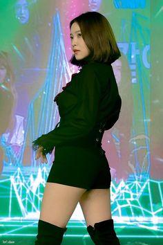 Check out Black Velvet @ Iomoio Park Sooyoung, Cute Little Girl Dresses, Cute Little Girls, Kpop Fashion Outfits, Stage Outfits, Seulgi, Red Velvet, Korean Girl, Asian Girl