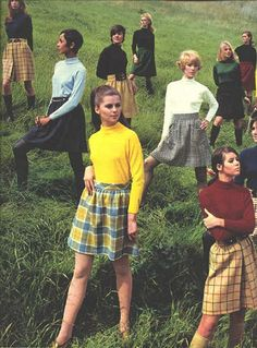 1969 August Seventeen for Bobbie Brooks Regine Jaffry Colleen Corby 60s And 70s Fashion, 70s Inspired Fashion, Seventies Fashion, Retro Fashion, Vintage Fashion, Vintage 70s, Gothic Fashion, Colleen Corby, Preppy Style