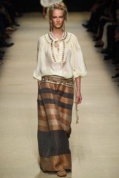 Alberta Ferretti Spring 2016 Ready-to-Wear Collection Photos - Vogue Fashion Week, Look Fashion, Runway Fashion, Spring Fashion, High Fashion, Fashion Show, Fashion Outfits, French Fashion, Milan Fashion