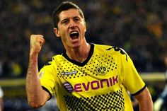Daily Mail reports Man Utd seem to be missing out on their long-term target Borussia striker Robert Lewandowski as Lothar Matthaus revealed the Polish international has already signed the agreement with the German giants.