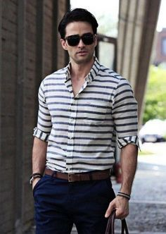 Want to wear stripes? Start with a navy and white horizontal stripe sweater and wear with chinos. Check out our collection of horizontal stripe outfits for men. Stylish Men, Men Casual, Casual Shirts For Men, Formal Men Outfit, Mens Clothing Styles, Mens Fashion, Shirt Men, Striped Blouses, Stripe Shirts
