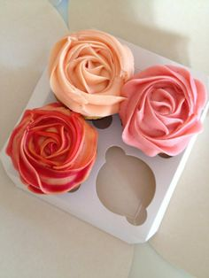These cupcakes look too pretty to eat!