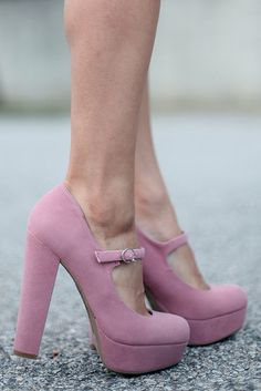 They look comfortable...I can wear them all day long and the colour is gorg!!
