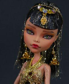 OAK Custom Repaint Monster High Cleo De Nile *ISIS* + Dress Set By Freddy Tan