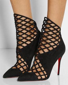 "LouboutinsForLife (@louboutinsforlife) on Instagram: "" #louboutinsforlife #christianlouboutin #louboutin #louboutins #redbottoms #red #shoes #heels…"""