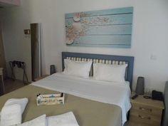 Το Ilianthos Apartments & Rooms απέχει λίγα μόλις μέτρα από την παραλία του Μικρού Γιαλού και προσφέρει μονάδες με δωρεάν WiFi σε όλους τους χώρους.