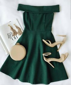 green short homecoming dress Source by Amalivecolorfully fancy dresses Hoco Dresses, Homecoming Dresses, Pretty Dresses, Beautiful Dresses, Dress Outfits, Green Dress Outfit, Green Dress Casual, 1950s Dresses, Prom Gowns