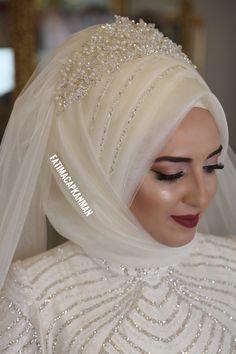 #gelinbasi#gelinsaci#gelin#gelinlik#tesettür#turban#hijab#hijabstyle#hijabfashion#fashion#muslim#bridal#wedding#weddingdress#muslimah#makeup#mua#makyaj#mac#l4l#tagsforlikes#abiye#tasarım#nisanlık#kaftan#istanbul