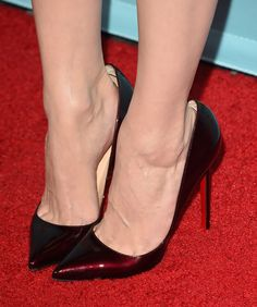 Pictures of Emmy Rossum in a J.Mendel outfit on the red carpet premiere of Shameless on Showtime.