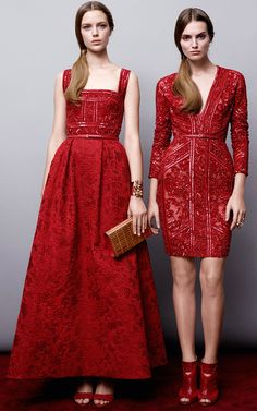 Get inspired and discover Elie Saab trunkshow! Shop the latest Elie Saab collection at Moda Operandi. Red Fashion, Fashion Week, Look Fashion, Fashion Dresses, Fashion Design, Elie Saab Couture, Pretty Dresses, Beautiful Outfits, Dame