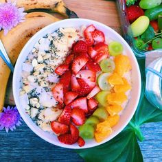 creamy vanilla oatmeal with fruits | vegan, by ALYSA VONGSYKEO