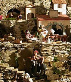 Christmas Manger / Crèche de Noel : Displaying your manger scene - la crèche de Bonnieux
