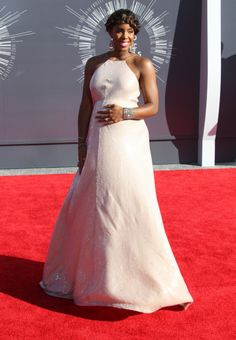 Kelly Rowland Radiates The Red Carpet