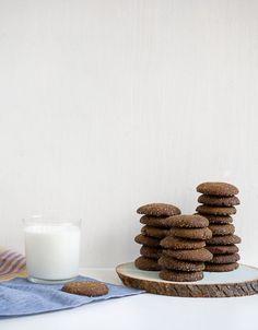Soft Gingerbread Cookies // www.acozykitchen.com
