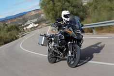 The UK's most popular adventure bike is now faster and cleverer - Visordown is the world's fastest growing motorcycle website with all the latest motorb. Motorcycle News, Adventure Tours, Bmw Cars, Cool Bikes, Bmw E36, Motorbikes, Touring, Biker, Vehicles