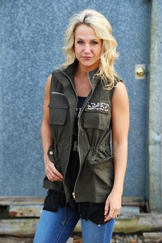 Detailed Excursion Cargo Vest {Olive}