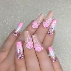 Discover new and inspirational nail art for your short nail designs. 3d Acrylic Nails, Summer Acrylic Nails, Gel Nail Art, 3d Nails, 3d Nail Designs, Short Nail Designs, Acrylic Nail Designs, Silver Nails, Bling Nails