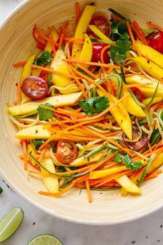 Spicy Thai Mango Salad - The Simple Veganista Healthy Salad Recipes, Whole Food Recipes, Vegetarian Recipes, Cooking Recipes, Thai Food Vegetarian, Thai Food Recipes, Mango Recipes, Asian Recipes, Juicer Recipes