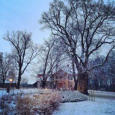 Zima dodaje uroku temu miejscu... www.dworkolesin.pl