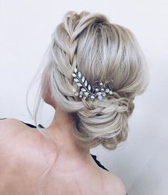 Pin… Simple Wedding Hairstyles Half Up! Pin… Simple Wedding Hairstyles Half Up! Romantic Wedding Hair, Wedding Hair And Makeup, Wedding Updo, Prom Updo, Hair For Prom, Wedding Hair Styles, Elegant Wedding, Wedding Hair Side, Wedding Unique