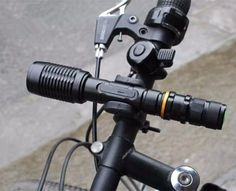 Zoomable XML-T6 led flashlight with bike clip