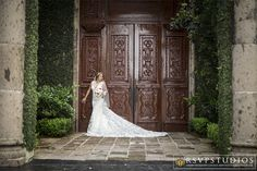 What a stunning bridal portrait! Thanks @rsvpstudios for sharing!