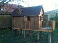 Cabane enfant en bois de palettes - par MatthieuMoreau sur le #CDB
