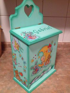 Pañalera Kit Bebe, Decoupage Box, Painting On Wood, Ideas Para, Toy Chest, Playroom, Storage Chest, Kids Room, Baby Shower