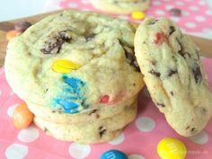 M&M Chocolate Chunk Cookies - Janae's Zuckerstunde Chocolate Chip Cookies, M & M Chocolate, Chocolate Pancakes, Healthy Chocolate, Mock Turtle Soup, Banana Oatmeal Pancakes, Tortellini Bake, M M Cookies, Biscuits