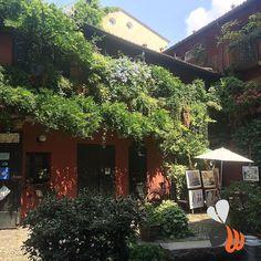 Scorci di #milano! #navigli #milan #milanodavedere #instamilano #milanocityufficiale #art #inspiration #green #beautiful #vscocam #phooftheday #bestoftheday #picoftheday #follow #website #web #marketing #logo #design #womboit