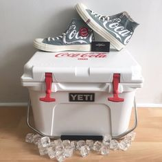 1db25468425085 KITH COCA COLA YETI COOLER CONVERSE CHUCK TAYLOR ALL STAR 70 FRIENDS AND  FAMILY  Converse  AthleticSneakers