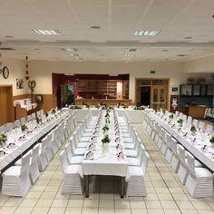 Stretch Stuhl Hussen bei uns zu mieten #Kärnten #Velden #Hochzeit #Hussen #Mietmöbel Trends, Table Decorations, Furniture, Home Decor, Chair, Getting Married, Wedding, Decoration Home, Room Decor