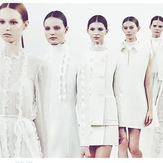 #分享Instagram# It's was a whiteout this week @maisonvalentino #valentino #nyc #runway #inspo #white