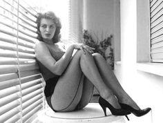 """""""Everything you see I owe to spaghetti."""" — Sophia Loren"""