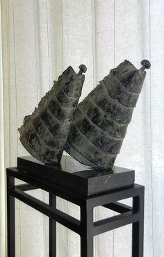 Tjikkie Kreuger (1941 – 4 jan 2017) was een Nederlands beeldhouwer. Zij maakte vooral bronzen mensfiguren, waarin ze werd geïnspireerd door de Afrikaanse volken en Egyptische kunst. Hoewel de plastieken figuratief zijn, zijn ze niet per definitie realistisch, omdat Kreuger kenmerken accentueerde of wegliet. Windgodinnen (1991), brons, 18 x 40 x 38