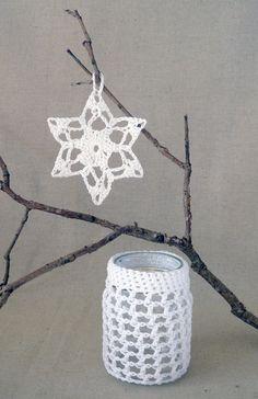 crochet jar cosy and snowflake Crochet Bebe, Love Crochet, Diy Crochet, Crochet Designs, Crochet Patterns, Wine Bottle Covers, Snow Flakes Diy, Crochet Kitchen, Chrochet