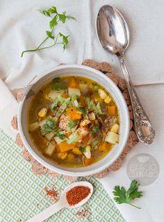 Carbonada Chilena. Sopa típica chilena elaborada a base de verduras, zapallo y carne molida. Deliciosa