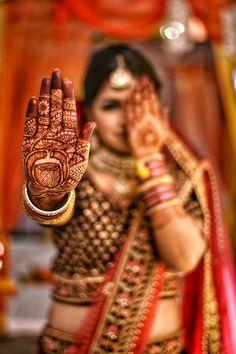 "Photo from Bluefox camera ""Wedding photography"" album Indian Bride Poses, Indian Wedding Poses, Indian Bridal Photos, Bengali Wedding, Mehendi Photography, Indian Wedding Photography Poses, Bride Photography, Bridal Portrait Poses, Bridal Poses"