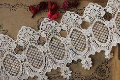 Blanco bordado Venecia adorno antiguo Florals cordón por QFabrics