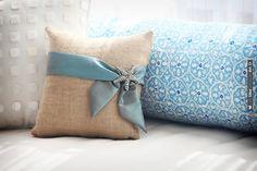 Burlap/ Starfish Ring Pillow Idea | VIA #WEDDINGPINS.NET