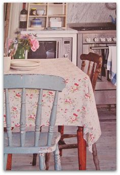 pretty floral cath kidston tablecloth. Love everything about this kitchen! #FlowerShop