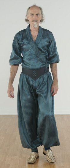 061 Sultan pants with kimono top Men Dress, Shirt Dress, My Outfit, Nice Dresses, Kimono Top, Curvy, Runway, Dressing, Plus Size