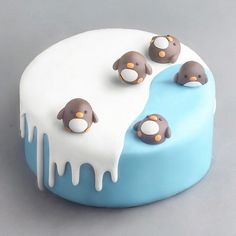 YES OR NO Pinguin cake by . this cake is so cuteAmourDuCake YES OR NO Pinguin cake by . this cake is so cute Pretty Birthday Cakes, Pretty Cakes, Beautiful Cakes, Amazing Cakes, Cake Birthday, Birthday Ideas, Kreative Desserts, Penguin Cakes, Cute Baking