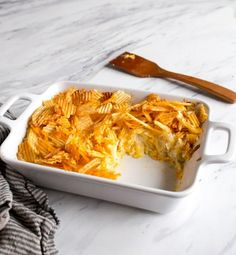 Want a classic comfort food recipe with smaller portions? Try this Funeral Potatoes for Two recipe! Hash Brown Casserole, Casserole Dishes, Casserole Recipes, Cooking For Two, Meals For Two, Small Meals, Batch Cooking, Funeral Potatoes Recipe, Dessert For Two