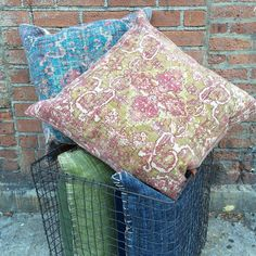 PATTERNED ROUGE KILIM PILLOW