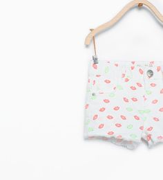 ZARA - KIDS - Kiss print shorts