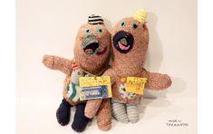 stuffed animals by mogu takahashi Weird Toys, Sock Puppets, Weird Creatures, Soft Sculpture, Dinosaur Stuffed Animal, Stuffed Animals, Plush Dolls, Fabric Art, Softies