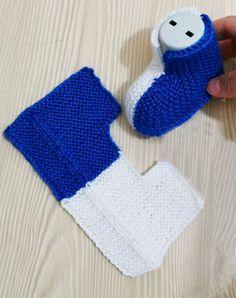 Easy Crochet Slippers, Knit Slippers Free Pattern, Baby Booties Knitting Pattern, Crochet Slipper Pattern, Baby Boy Knitting, Crochet Baby Booties, Knitting For Kids, Baby Knitting Patterns, Crochet Yarn
