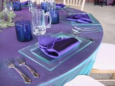 Summer is a great time where people love to bring out bold colors, especially for party rentals. There is nothing better than having these types of table d